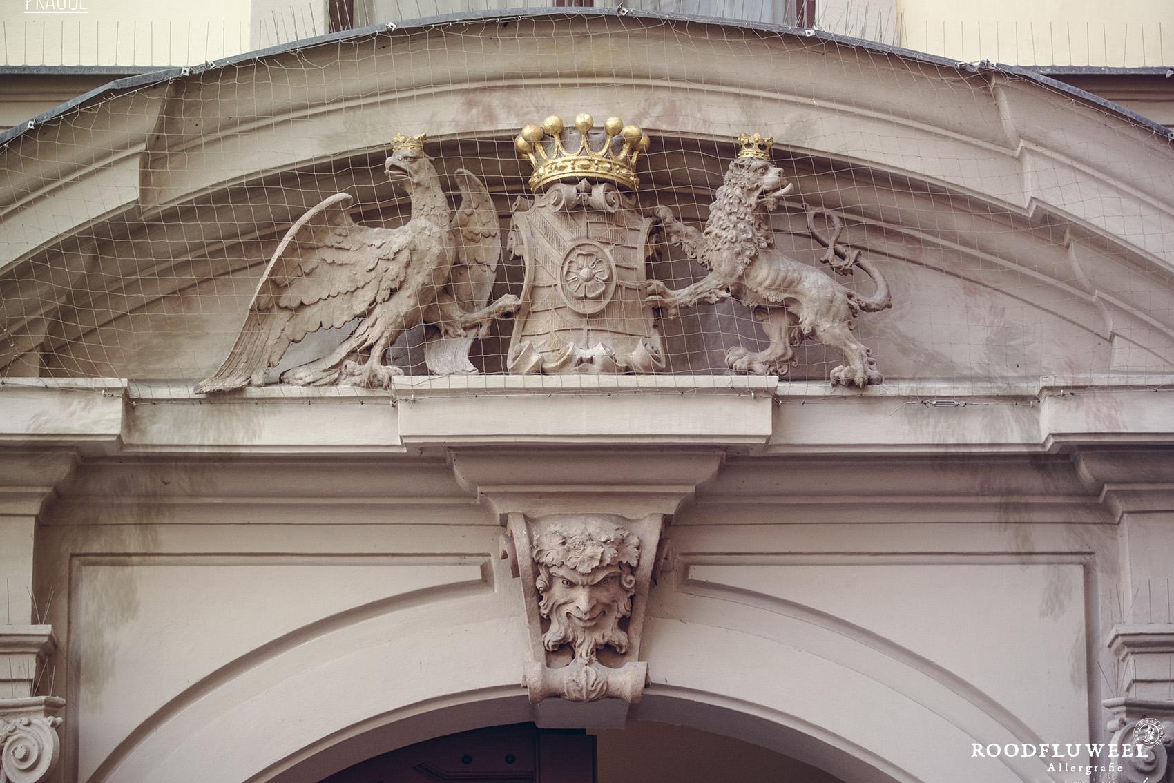 Lion_Sculpted_symbol-14
